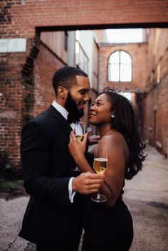 Engagement Photo Poses, Engagement Couple, Engagement Shoots, Black Love Couples, Cute Couples Goals, Photo Couple, Couple Photos, Black Relationship Goals, Looks Black