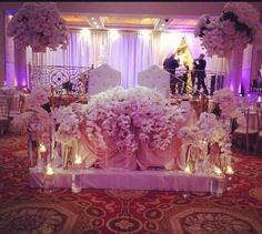Sweetheart table with orchids galore!