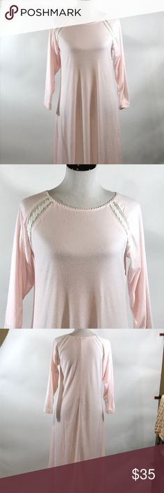 Soft Surroundings pink gown size PXS Soft Surroundings pink gown size XSP. This gallon is the perfect cozy piece for the winter months. There is lace at the raglan sleeveAnd the neckline. The county is in perfect condition. Please see pictures for garment measurements in detail. Thanks for visiting my closet! Soft Surroundings Intimates & Sleepwear Pajamas