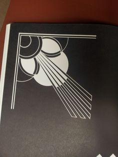 Love the design Motif Art Deco, Art Deco Pattern, Art Deco Design, Art Deco Glass, Sgraffito, Letter Art, Geometric Designs, Art Deco Fashion, Design Elements