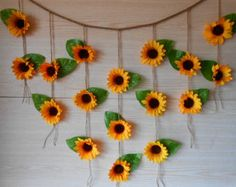 Sunflower Wedding Decor Sunflower Garland by foryourrusticwedding - Deko ♤♤♤ - Sunflower Room, Sunflower Party, Sunflower Baby Showers, Sunflower Kitchen, Sunflower Nursery, Sunflower Wall Decor, Sunflower Crafts, Bridal Shower Backdrop, Bridal Shower Rustic
