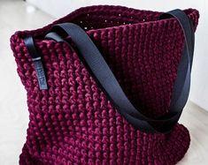 Everyday Tote Bag/ Crochet Shoulder Bag/ Everyday Woman's Bag/ Shopper Bag/ Tote Bag/ Everyday Bag Tote/ Vinous Tote/ Crochet Tote Recycled – Daily Outfits Crochet Motifs, Crochet Tote, Free Crochet, Crochet Pattern, Chunky Crochet, Chunky Yarn, Shopper Bag, Tote Bag, Tshirt Garn