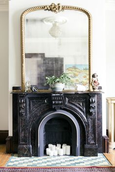 Living With Kids: Lisa Scott (Design Mom) Black Fireplace Mantels, Mirror Above Fireplace, Vintage Fireplace, Victorian Fireplace, Fireplace Design, Mounted Fireplace, Mantles, Large Gold Mirror, Gold Framed Mirror