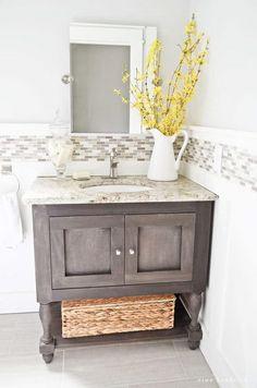 How to make a #DIY Pottery Barn inspired bathroom vanity #homedecor