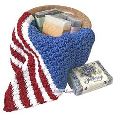 Stars and Stripes Washcloth Free Crochet Pattern - Knitting Bordado Crochet Star Stitch, Crochet Stars, Knit Or Crochet, Crochet Baby, Free Crochet, Knitting Patterns, Crochet Patterns, Easy Crochet Projects, Cascade Yarn