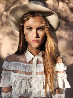 Antidote Magazine - Street style captures are still going relatively strong in the fashion publishing sphere as the Antidote Magazine editorial shows. Cowgirl Chic, Cowgirl Style, Cowgirl Outfits, Zara Kids, Gone Rogue, Fashion Gone Rouge, Le Far West, Editorial Fashion, Fashion Beauty