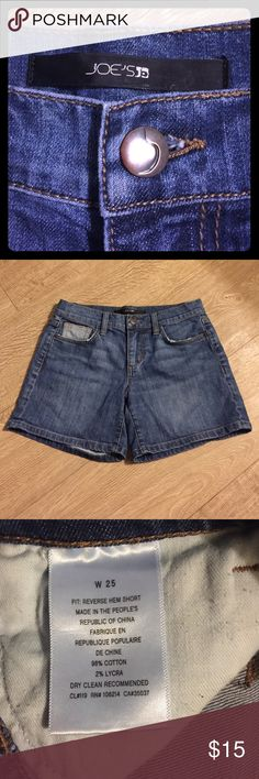 Joe's Denim shorts size 25 Joe's jean shorts, great for those in need of shorts for holiday tropical 🌴 trips!!  ***BUNDLE ME WITH ONE OR MORE ITEMS FOR my 20% off discount !🎉🎉🎉 Joe's Jeans Shorts Jean Shorts