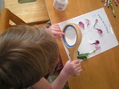 Using real flowers to learn what's inside a flower. Brilliant hands-on learning by Moon Sprig.