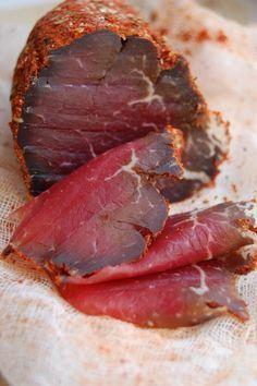то очень, ОЧЕНЬ зря! Я про домашнее вяленое мясо Из всех изученных мной рецептов, больше всего мне понравился сухой способ. Когда филе засыпаешь крупной солью на…