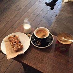 Tap coffee London  #tapcoffee #coffee #coffeetime #coffeelife #london #lovelife #lovecoffee #lifestyle #lifestyleblogger #blog #blogger #bblogger #likeforfollow #like4likes #like4like #enjoy #likeforlike #like #enjoylife #relax #life (at London,...