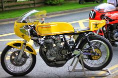 RocketGarage Cafe Racer: Honda CB 400 Super Sport David Roberts