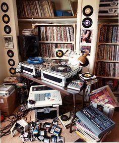 Records and DJ set-up. #records #dj #djculture http://www.pinterest.com/TheHitman14/dj-culture-vinyl-fantasy/