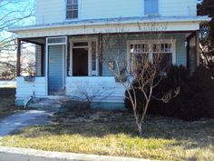 My poor sad front porch :(