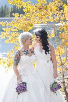 Equality for all. Same sex wedding. blonde rocking short hair on one side and big curls on the other - Lisa One Side Shaved Hairstyles, Half Shaved Hair, Black Curls, Big Curls, Crazy Wedding, Dream Wedding, I Heart Hair, Curly Mohawk, Autumn Bride