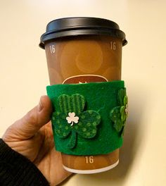 Make it easy crafts: Recycled coffee cup sleeve for St. Patrick's Day