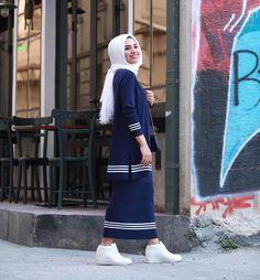 """6,851 Beğenme, 26 Yorum - Instagram'da Ebru Sever Türk (@ebrusevertrk): """"Trikolar çıksın piyasaya en bi sevdiğim @_nuss trikonun etek bluz takımları @modaasist da…"""""""