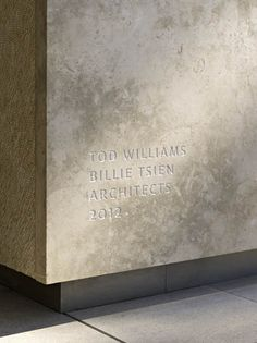 Signage - The Barnes Foundation by Tod Williams/Billie Tsien Architects. Photo by Abbott Miller. Wayfinding Signage, Signage Design, Environmental Graphics, Environmental Design, Architecture Details, Interior Architecture, Branding And Packaging, Outdoor Signage, Poster S