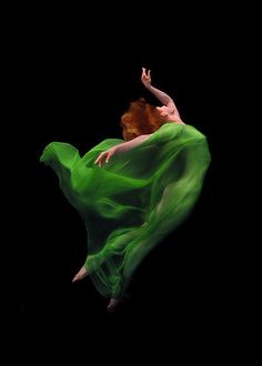 ♫♪ Dance ♪♫ elegant dancer in green dress