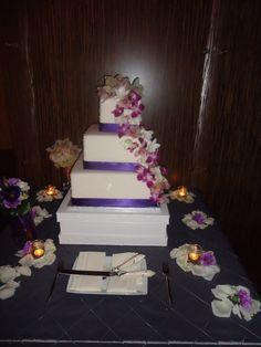 Hawaiian themed wedding cake!
