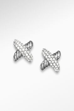 Classic yet contemporary, unique yet symbolic, the X collection epitomizes David Yurman's approach to design. Designer Jewelry, Jewelry Design, Jewelry Accessories, Fashion Accessories, Key To My Heart, Jewelry Companies, Diamond Are A Girls Best Friend, David Yurman, Bobs
