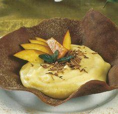 Túlipas de Chocolate - https://www.receitassimples.pt/tulipas-de-chocolate/