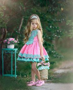 Little Girl Photos, Little Girl Models, Baby Girl Dresses, Baby Dress, Kids Outfits Girls, Girl Outfits, Classic Photography, Garden Dress, Photographing Kids