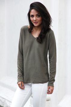 Timeless V-Neck Knit - Khaki — Light & Beauty xoxo Madison Square, Cool Style, V Neck, Pullover, Knitting, Sweatshirts, Sweaters, Beauty, Collection