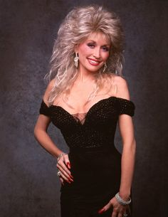 Dolly Parton Photos - Dolly Parton in - Disney ABC Television Group Archive Celebrity Singers, Female Singers, Dolly Parton Without Makeup, Dolly Parton Tattoos, Dolly Parton Costume, Classy Sexy Outfits, Dolly Parton Pictures, Self Defense Women, Woman Movie