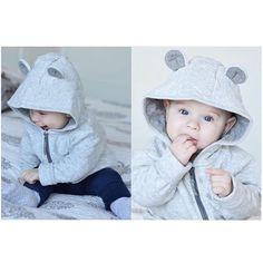 s w e e t h e a r t  Skjønneste lille Malte viser stolt frem den nye fine jakka si fra H&M Og er han ikke bare såååå fin!✨ De små bjørneørene setter virkelig prikken over i'en og gir et skikkelig søtsjokk Den kommer i strl. 68-92 og koster 179,-. Regram: @emejan  #fashionforminis1 #babyfashion #kidsfashion #sweet #new #newin #bear #baby #mini #kids #style #winter #spring #fashion #loveit #wantit #outfit #hm #hmbaby #hmkids