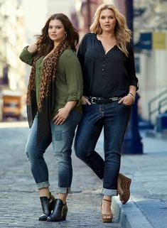 Plus size ladies feel very comfortable and stylish if they get the right kind of clothing for them and plus size jeans is at the forefront in this latest demand for stylish clothes. Curvy Women Fashion, Look Fashion, Fashion Outfits, Womens Fashion, Fashion Fall, Women's Plus Size Jeans, Look Plus Size, Curvy Outfits, Stylish Outfits
