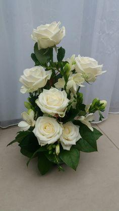 Fake Photo, Flower Arrangements, Floral Wreath, Gardening, Wreaths, Flowers, Plants, Decor, Flower Names