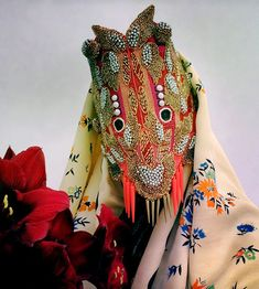 Norwegian artist Damselfrau creates exotic looking masks out of found materials and textiles. Textiles, Charles Freger, Costume Ethnique, Mode Costume, Devil Costume, Ethno Style, Japanese Geisha, Masks Art, Headdress