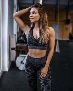 66fd49d4a7 Evelina 🔥 http   instagram.com boukh10 Workout Essentials