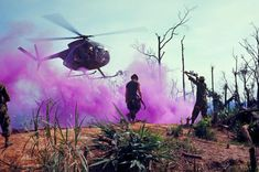 Incredible series of pictures taken on operation with the Airborne Division (Airmobile) in I CTZ, ~ Vietnam War Vietnam History, Vietnam War Photos, Vietnam Veterans, Military Photos, Military History, American War, American History, 101st Airborne Division, My War
