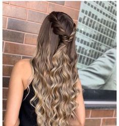 50 super quick and easy hairstyles for 2019 5 50 super quick and easy hairstyles for 2019 5 Grad Hairstyles, Dance Hairstyles, Ponytail Hairstyles, Weave Hairstyles, Pretty Hairstyles, Wedding Hairstyles, Simple Homecoming Hairstyles, Hairstyle Ideas, Fringe Hairstyle