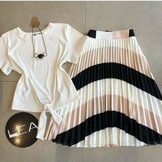New Style Hijab Casual Classy 70 Ideas Modest Dresses, Stylish Dresses, Stylish Outfits, Cute Dresses, Blue Skirt Outfits, Spring Outfits, Girl Outfits, Jw Moda, Classy Outfits