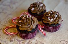Baketerapi, candy cane cupcakes, sjokolade og peppermynte cupcakes, julebakst Candy Cane, Cupcakes, Desserts, Food, Tailgate Desserts, Deserts, Barley Sugar, Cupcake, Meals
