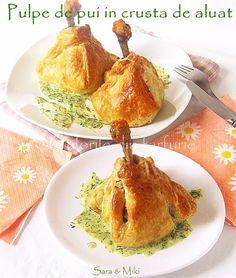 chicken drum sticks in puff pastry crust Coscette di pollo in pasta sfoglia Chicken Recepies, Chicken Wing Recipes, Chicken Drumsticks, Arabic Food, Recipes From Heaven, Ricotta, Good Food, Appetizers, Favorite Recipes