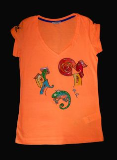 Hand painted t-shirt. Designer's clothes. Chamelion. Painted t-shirt. Rave clothes. Rave t-shirt. Lizard. Psychedelic clothes.