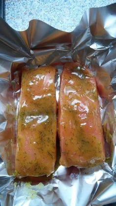Salmon in honey mustard marinade Chef - Rezepte - Meat Recipes Fried Fish Recipes, Pork Chop Recipes, Shrimp Recipes, Salmon Recipes, Sauce Recipes, Meat Recipes, Crockpot Recipes, Chef Recipes, Honey Mustard Salmon