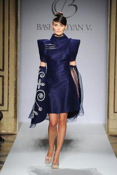 Milano Moda Donna 2012: le foto della sfilata di Basharatyan V. e il makeup di Revlon