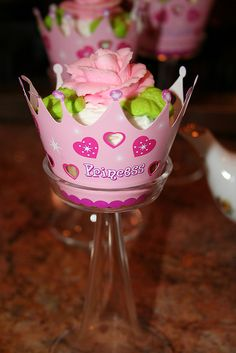 Princess Party. Cute cupcake idea