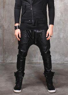How to wear joggers men harem pants ideas Drop Crotch Pants, Mode Cyberpunk, Cyberpunk Fashion, Black Jogger Pants, Mens Jogger Pants, Mode Masculine, Fashion Moda, Mens Fashion, Shoes