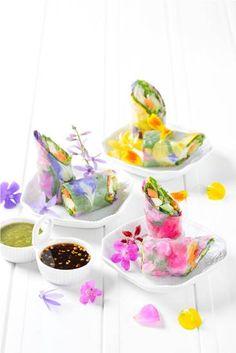 อร่อยกับเมนูดอกไม้แสนสวยที่ Eathai Thai Recipes, Sweet Recipes, Eat Happy, Thai Dessert, Fusion Food, Flower Food, Food Decoration, Food Design, Food Plating