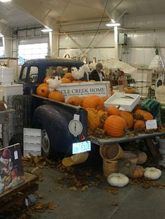 I actually do use an old pickup just like this for my pumpkin display on the produce floor. Fall Store Displays, Produce Displays, Market Displays, Autumn Displays, Retail Displays, Fall Halloween, Costume Halloween, Halloween Stuff, Vintage Halloween