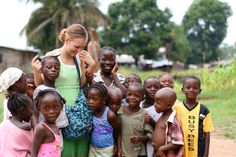 For centuries Africa has lured those individuals with spirits that love to roam. In the past, persons who wanted to volunteer in Africa Volunteer In Africa, Volunteer Work, Volunteer Abroad, Missionary Pictures, Work In Africa, Third World Countries, People In Need, Exotic Places, Gap Year