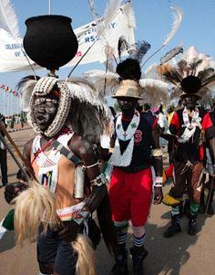 独立1年の南スーダン、歌や踊りで祝賀 sudan