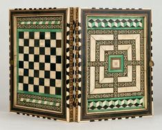 After all the 'exotic' medieval chess versions ( grande acredex , Byzantine chess, four season chess ) shown in previous posts, we also ma...