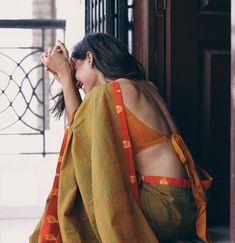 Blouse Back Neck Designs, Saree Blouse Designs, Indian Photoshoot, Saree Photoshoot, Saree Poses, Stylish Blouse Design, Stylish Sarees, Photography Poses Women, Dress Indian Style