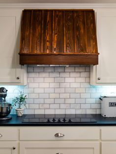 HGTV Smart Home 2016 tech consultant, Carley Knobloch shares the advantages of using a smart thermostat in your home. From the experts at HGTV.com.
